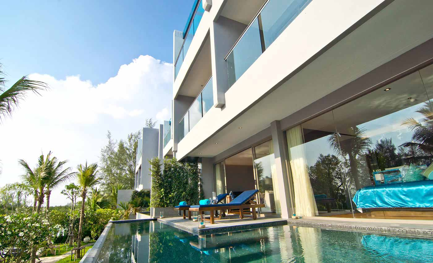 Prestige Pool Suites